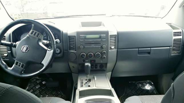 EXCELLENTLY Neat, First Body, Factory Fitted Chilling Ac Nissan Armada Onitsha North - image 5