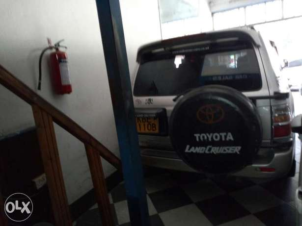 Very clean silver Toyota Land Cruiser KBE for sale at Mombasa Island Mombasa Island - image 2