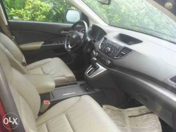 Clean toks 2012 CRV with Reverse camera and Navigation. Obanikoro - image 2