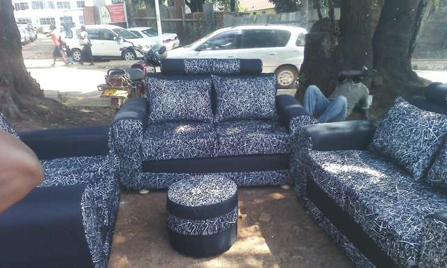 Sofa beds ,five seat and more on sell Kampala - image 2