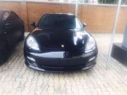 Christmas give away super clean 2012 Porsche Panamera 4S