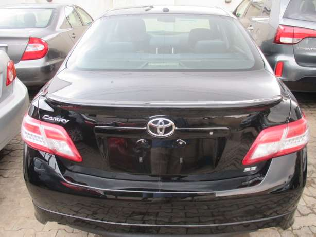 Very Clean 010 Toyota Camry,Tokunbo Lagos Mainland - image 7