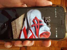 IPhone 6 16gig screen cracked but perfect working condition stil R3600