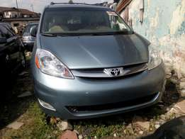 2006 Toyota Sienna Limited Blue