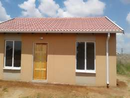 Bran New House to rent in protea glen EXT 31