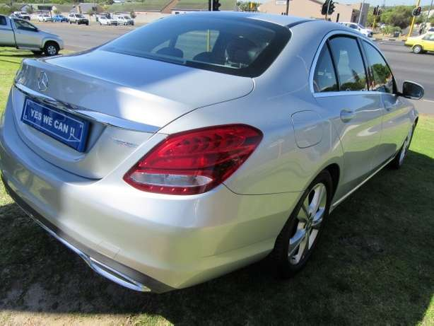 Mercedes Benz C180 A/T- Make your statement... Kuils River - image 4