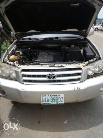 Toyota Highlander 2003 Model Very Clean Naija Used Perfectly Condition Ikeja - image 7