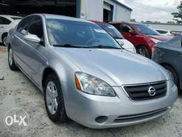 Very clean tokunbo Nissan Altima(2002)