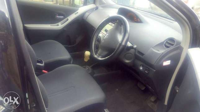 Toyota vitz new import very clean Ridgeways - image 3