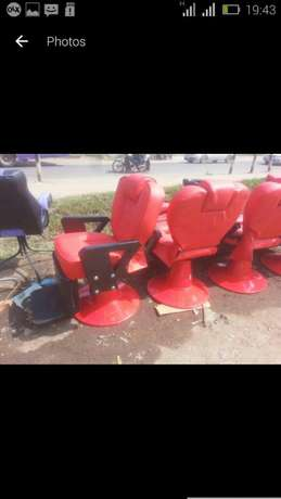Barber chairs red color Hamza - image 3