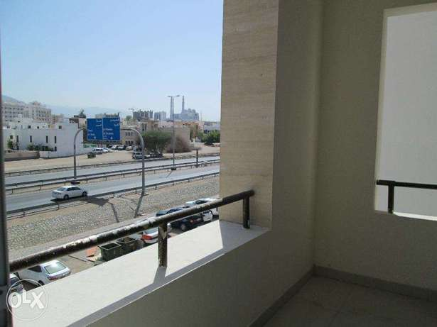 Al Khuwair A bright and spacious 1 & 2 bedroom apartment