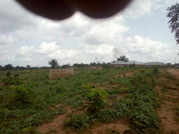 2 plots of Land at Agunbewo #500,000 each Osogbo - image 2