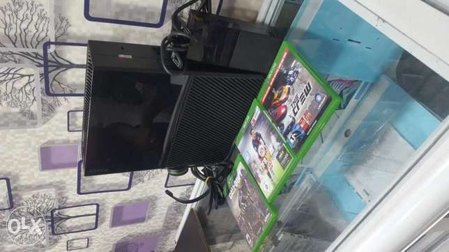 Xbox one with 3games available now Ikeja - image 2