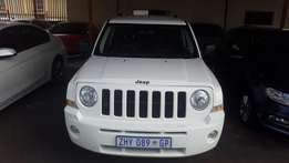 Jeep patriot 2010 automatic 5 doors
