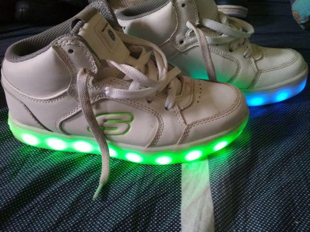 Buty Led skechers Energy świecące rozmiar 35 wkładka 22 cm