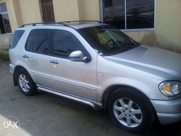 Automatic SUV Mercedes Benz Jeep Lekki - image 1