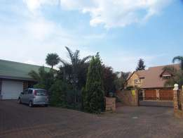 Boksburg,Bartlett,Rooms,Daily,Weekly,Monthly:R100-R580pd.LongStaysFine