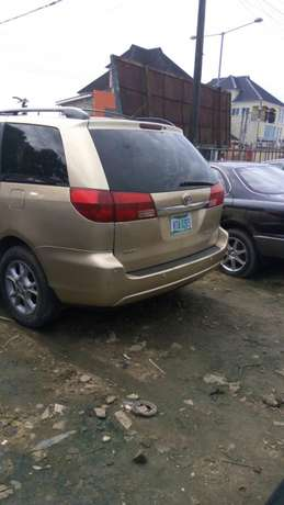 Toyota sienna 2006 model available for sale Calabar - image 3