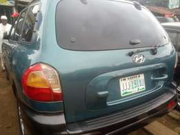 Sharp naija used Hyundai Santa Fe at 699k only