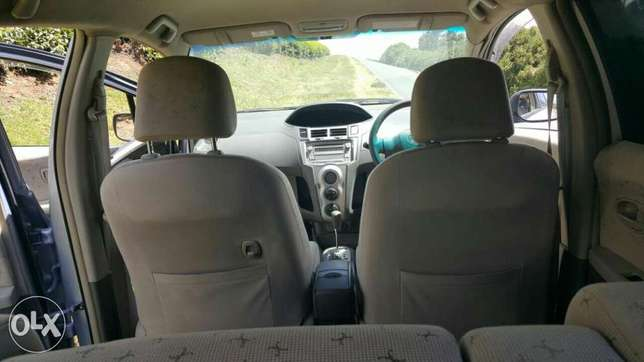 Very clean Toyota Vitz for sale Sigona - image 7