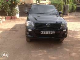 Toyota single can Hilux local 2012 model