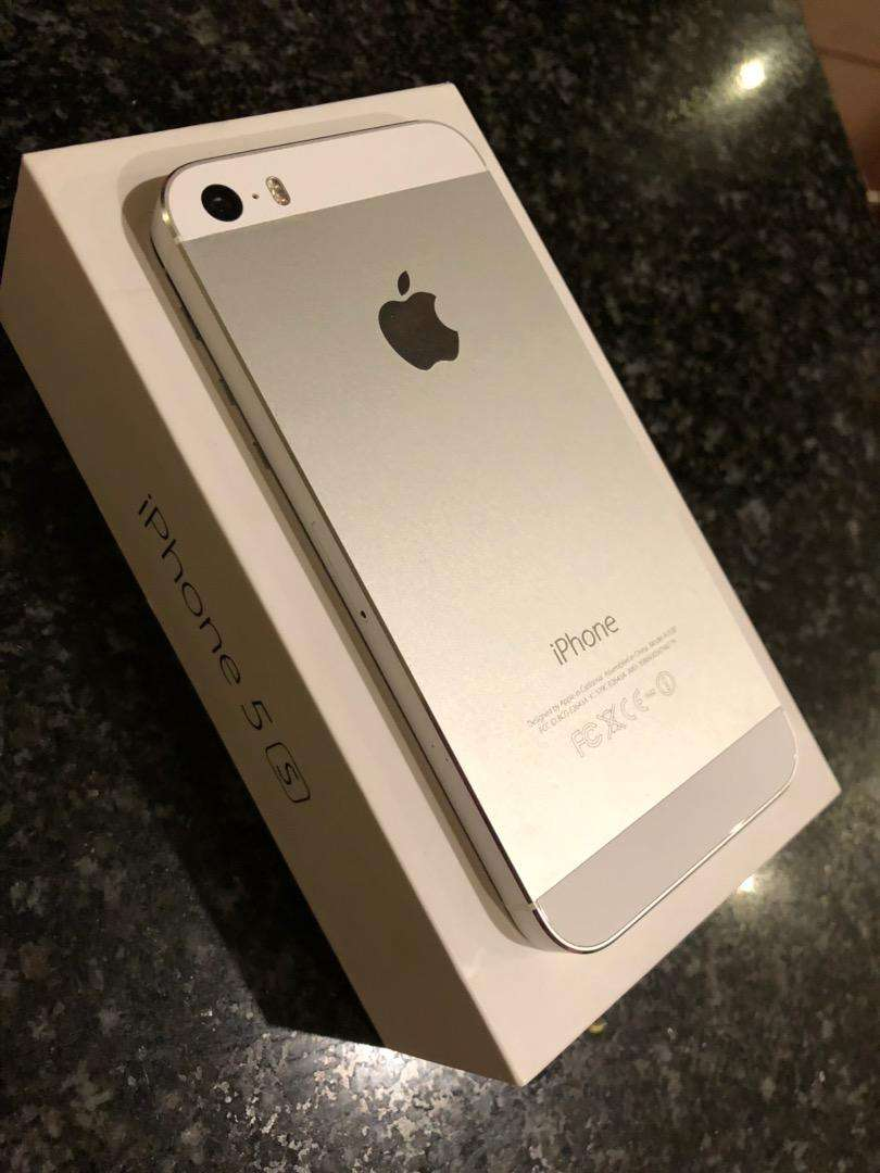Iphone 5s 32gb Silver Pretoria Cell Phones Gauteng Olx 0