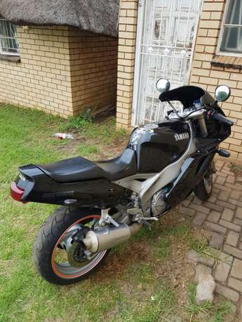 Yamaha Fzr1000 for sale Centurion - image 4