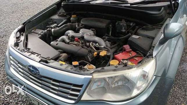 Subaru Forester Non Turbo 2000cc lady owned clean just buy and drive Nairobi CBD - image 3