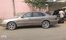 Toyota Avalon first body good engine and good AC