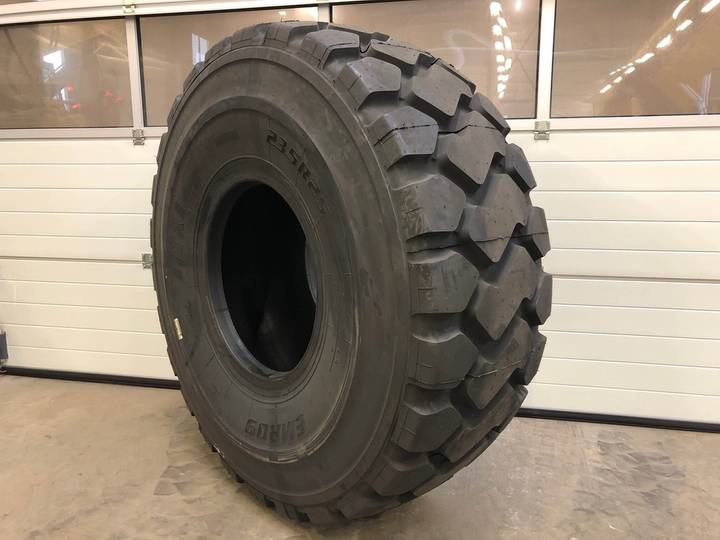 ITR Set tires 23.5R25 ** EMR09 STOCK / NEW - 2018
