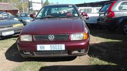 Vw polo 1.6I(97) with mags+sunroof