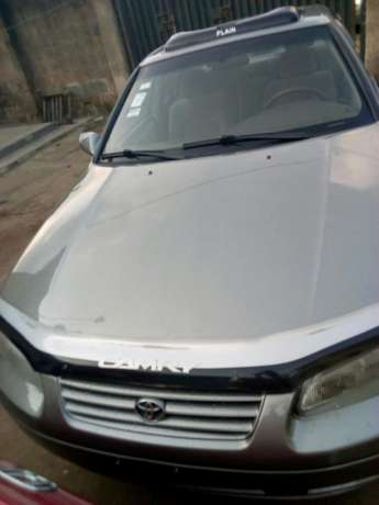 A neatly used Toyota Camry Ikorodu West - image 4