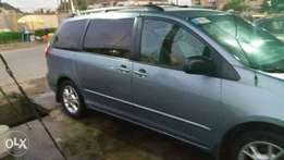 Toyota Sienna 2005 little used for sale