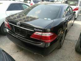 Toyota Crown royal saloon. KCM number 2010 model loaded with alloy r
