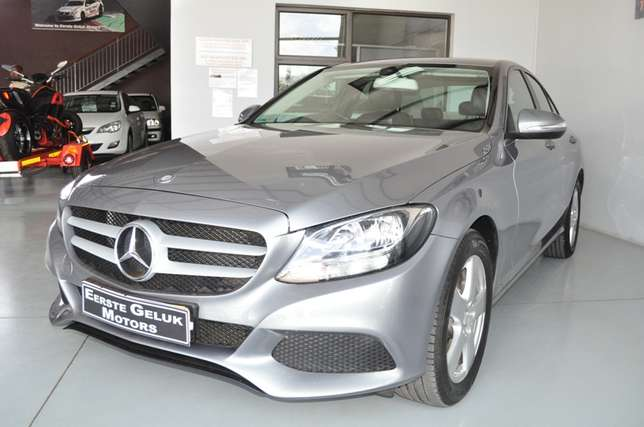 2014 Mercedes-Benz C-Class C180 Auto in Mint condition Bloemfontein - image 2