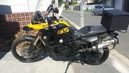 BMW GS 800 immaculate and extra set tures
