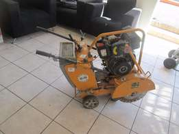 Floor Saw Cutting Machine Model GC-350 In Good Condition