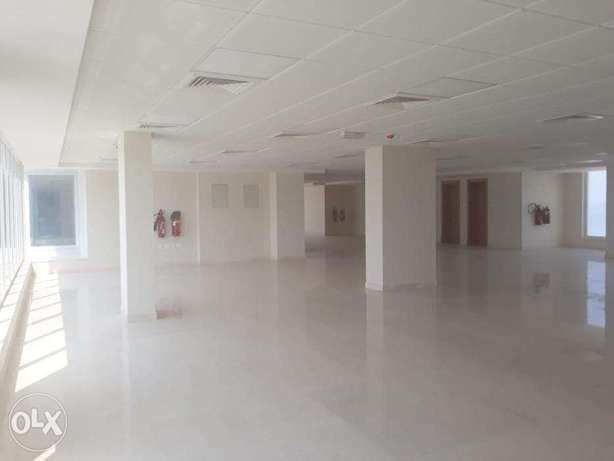 For rent office space 500 sqm in Al Qurum