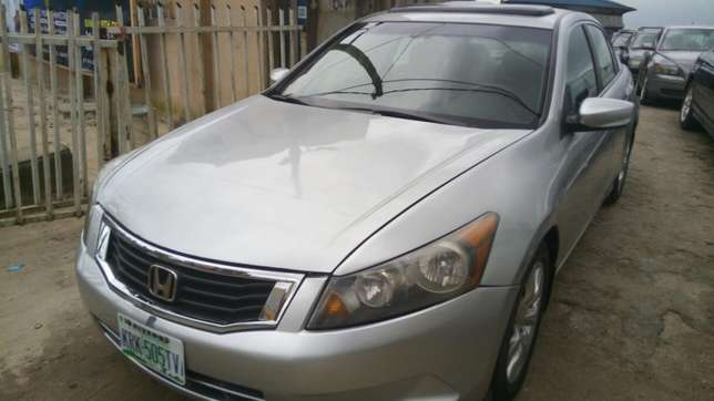 Super clean used Honda 2008 Port-Harcourt - image 4