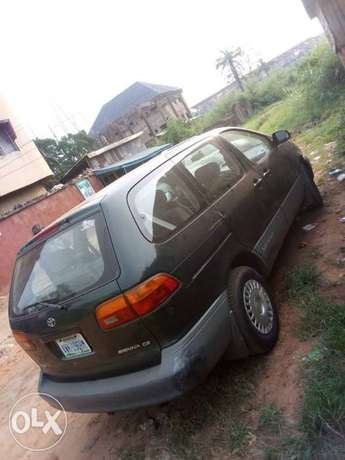 Clean Toyota Siena for sale Awka South - image 6