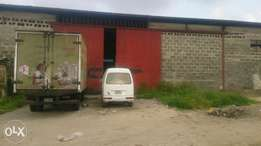 Warehouse of 100ft by 200ft for lease at Enerhen Road,Warri