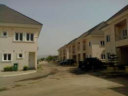 4 bedroom fully serviced duplexes in an estate at Jaihi for rent.
