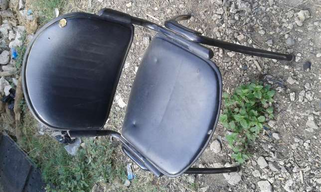 Easy leather padded office chair Changamwe - image 3