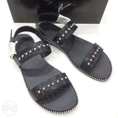 Italy slippers designs have on tunds store Lagos - image 6