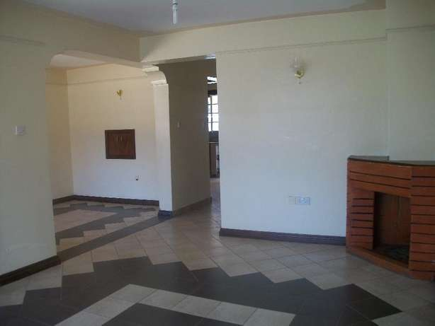 Beautiful 4 bedroom own compound with DSQ to let at Safaripark. Roysambu - image 2