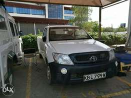 Toyota Hilux Local