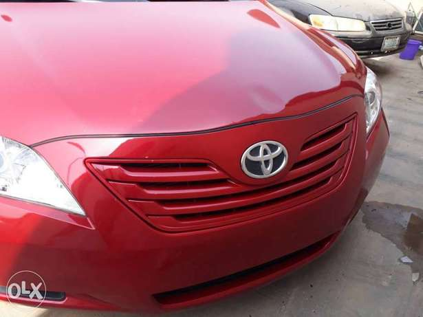 Mint Tomato Red 2008 Toyota Camry LE with neat leather & custom alloys Abule Egba - image 8