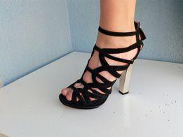 63a2f81c516829 ZARA czarne sandały na złotym słupku platformy 37 zamszowe wiązane