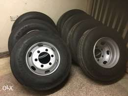 Dunlop 9.5R17.5 with Rims