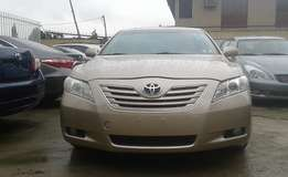 Extra clean foreign used 2007 model Toyota Camry XLE Gold